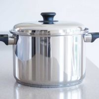 Vapo-Seal™ 12 Quart Stockpot